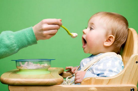 thời điểm nào nên cai sữa cho bé